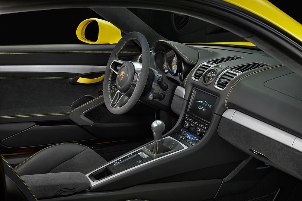 Cayman GT4 interior