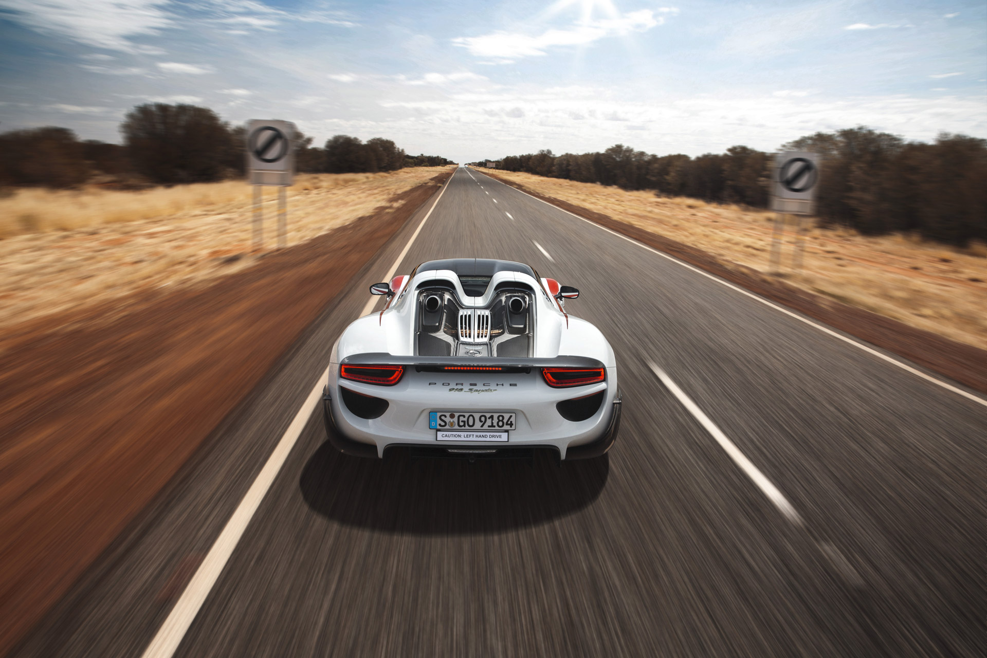 porsche-918-spyder-australian-outback-1 Remarkable Porsche 918 Spyder On the Road Cars Trend