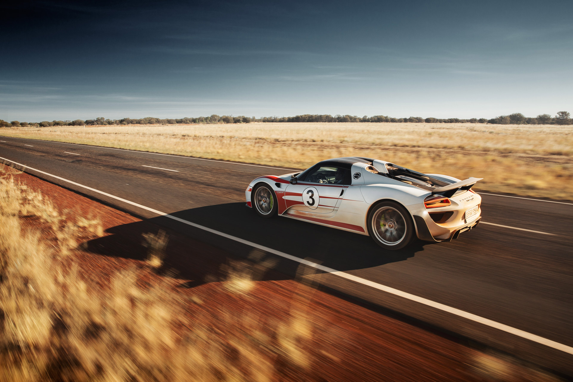 porsche 918 spyder in the australian outback. Black Bedroom Furniture Sets. Home Design Ideas