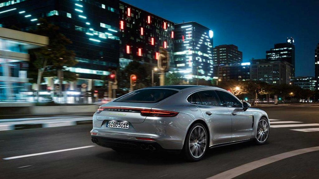 2018-Porsche-Panamera-Turbo-S-E-Hybrid-backview