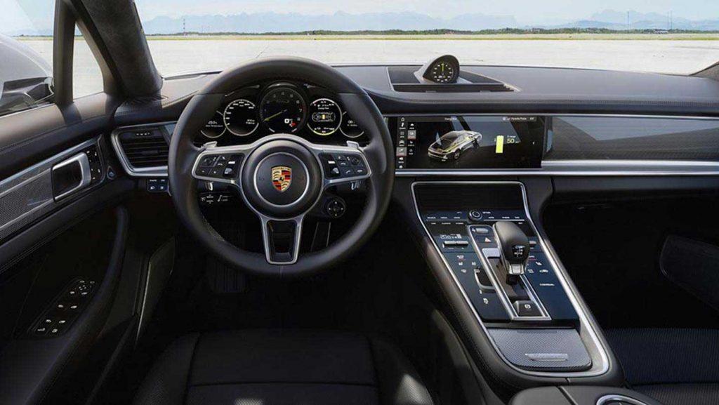 2018-Porsche-Panamera-Turbo-S-E-Hybrid-interior